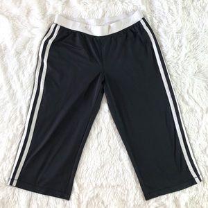 Medium Tek Gear Cropped Capri Black Active Pants